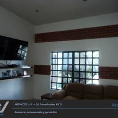 J. R. - Cd. Constitución B.C.S.: Salas multimedia de estilo rústico por MA5-Arquitectura