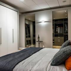 De Jager Interieur | Heemstede:  Slaapkamer door De Jager Interieur