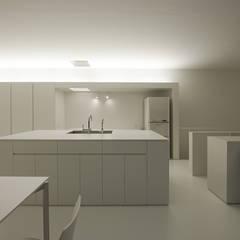 印旛のスタジオ: SHSTTが手掛けたキッチンです。