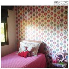 Mural Pieza Niña: Dormitorios infantiles de estilo  por Estudio Desigual