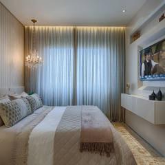 classic Bedroom by Emmanuelle Eduardo Arquitetura e Interiores