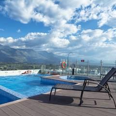 PISCINAS HOTEL ALLURE AROMA MOCAWA - ARMENIA: Hoteles de estilo  por THE POOL MARKET S.A.S, Moderno