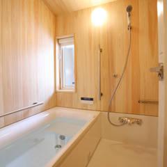 Bathroom by 一級建築士事務所 アトリエ カムイ