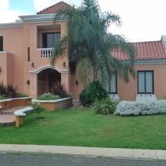 Casa en San Isidro Villa residencial - Villa Allende- Cordoba: Casas de estilo  por Alejandro Asbert Arquitecto