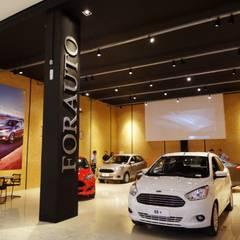Ford Forauto - Criciúma / SC Concessionárias modernas por Ponta Cabeça - Arquitetura Criativa Moderno OSB