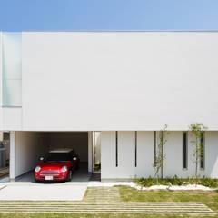 Rumah by MITSUTOSHI   OKAMOTO   ARCHITECT   OFFICE 岡本光利一級建築士事務所