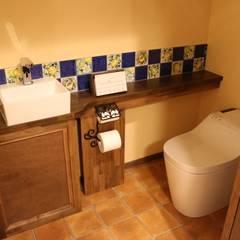 - French Country Style・フレンチカントリースタイル No.03 -: 株式会社アートカフェが手掛けた浴室です。
