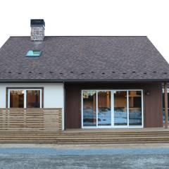 - French Country Style・フレンチカントリースタイル No.03 -: 株式会社アートカフェが手掛けたテラス・ベランダです。,カントリー 木 木目調