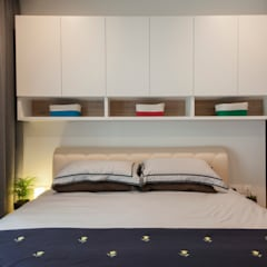 THE LIVIA: modern Bedroom by Eightytwo Pte Ltd