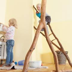 Kleine Spielecke: skandinavische Kinderzimmer von Badabaum