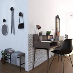 """Espace à vivre """"façon usine des années 70"""": Bureau de style  par Sandia Design"""