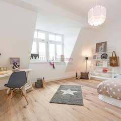 Home Staging eines Penthouses unweit des Kurfürstendamms:  Kinderzimmer von staged homes