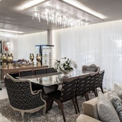 اتاق غذاخوری توسطHeloisa Titan Arquitetura
