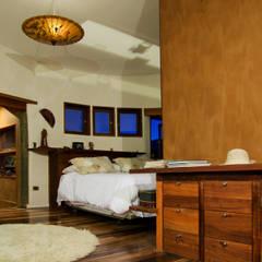 Dormitorio: Dormitorios de estilo  por ALIWEN arquitectura & construcción sustentable