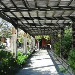 Galería: Casas unifamiliares de estilo  por ALIWEN arquitectura & construcción sustentable - Santiago