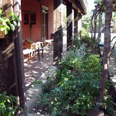 Terraza: Casas unifamiliares de estilo  por ALIWEN arquitectura & construcción sustentable - Santiago