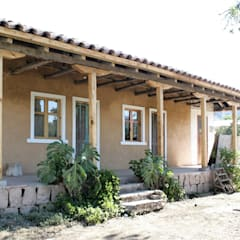 Varandas, marquises e terraços coloniais por ALIWEN arquitectura & construcción sustentable - Santiago Colonial
