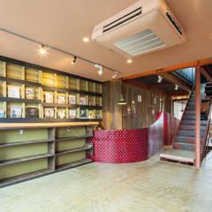 BOOKS: INTERIOR BOOKWORM CAFEが手掛けた会議・展示施設です。