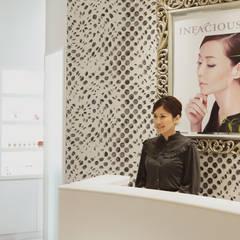 スパデザイン 乙女心をくすぐる非日常の美容空間: 澤山乃莉子 DESIGN & ASSOCIATES LTD.が手掛けた商業空間です。
