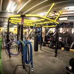 Sala de Personal: Fitness  por TRAMA Arquitetura e Engenharia