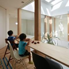 松原のガレージハウス: 藤原・室 建築設計事務所が手掛けた和室です。,モダン