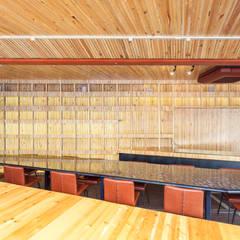 40ft 海上 コンテナ: INTERIOR BOOKWORM CAFEが手掛けたイベント会場です。,
