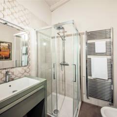 飯店 by STUDIO PAOLA FAVRETTO SAGL - INTERIOR DESIGNER, 古典風 磁磚