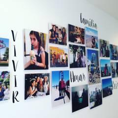 FotoGalerías Personalizadas: Paredes de estilo  por Cuarto de Luz: fotografía y decoración