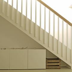 Glückauf Treppe:  Flur & Diele von K2 Architekten GbR