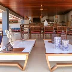 بلكونة أو شرفة تنفيذ Érica Pandolfo - arquitetura / interiores