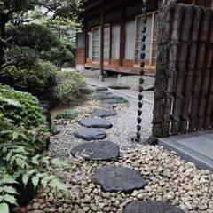 Jardins  por 杉田造園 株式会社