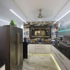 Samrath Paradise:  Kitchen by IMAGE N SHAPE