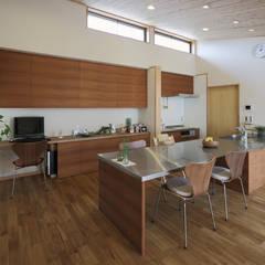 新田木崎の家: ATELIER Nが手掛けたキッチンです。,