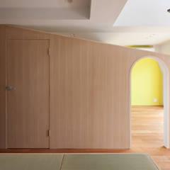 屋根型の住宅 / house of roof shape: 富永大毅建築都市計画事務所が手掛けた子供部屋です。