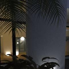 Jardines de estilo  de JAPAZ arquitectura arte diseño