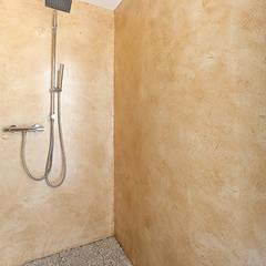 Ванные комнаты в . Автор – Barra&Barra Srl, Классический