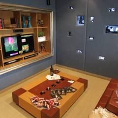 Refugio para la Pareja dentro de una Casa: Bodegas de estilo  por Xime Russo Interiores