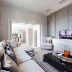 Restored Georgian splendour with modern indulgences:  Media room by Design by UBER