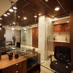 oficina J: Oficinas de estilo  por minima design & architecture studio , Minimalista