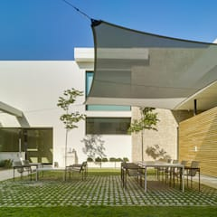 Terrace by Aguilar Arquitectos