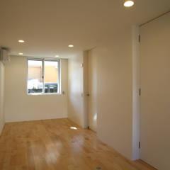 空と暮らす家: 設計事務所アーキプレイスが手掛けた子供部屋です。,北欧