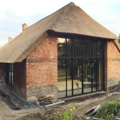 achtergevel stalen kozijn:  Huizen door Arend Groenewegen Architect BNA