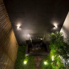 RESTAURANTE CHIWAKE: Jardines de estilo  por ARKILINEA