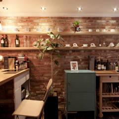 디자인투플라이: endüstriyel tarz tarz Yemek Odası