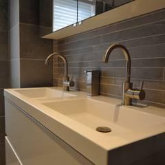 Grohe wastafelkraan alkmaar - AGZ badkamers en sanitair:  Badkamer door AGZ badkamers en sanitair