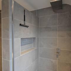 inbouw nis badkamer - AGZ badkamers en sanitair:  Badkamer door AGZ badkamers en sanitair