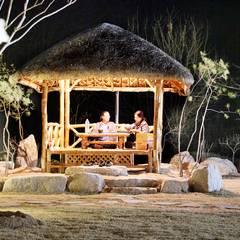 나만의 소중한 스토리가 담겨있는 대저택 (상주 송지리 주택): 윤성하우징의  정원,