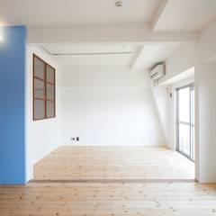 豪徳寺のマンションリノベーション: 佐賀高橋設計室/SAGA + TAKAHASHI architects studioが手掛けた壁です。,