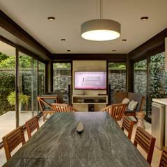 Casa Lava: Comedores de estilo  por RIMA Arquitectura