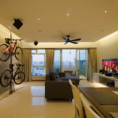 BTO @ Punggolin Hotel Style:  Living room by Designer House